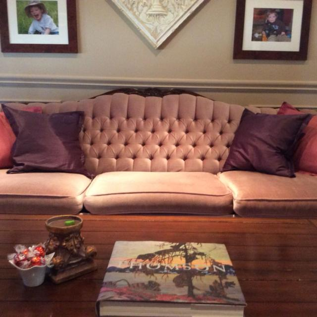 3pc House Of Braemore French Provincial Sofa Set In Great Condition Soft Rose Velour