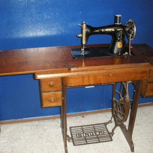 Best Old Singer Treadle Sewing Machine For Sale In Tacoma Enchanting Pedal Sewing Machine For Sale