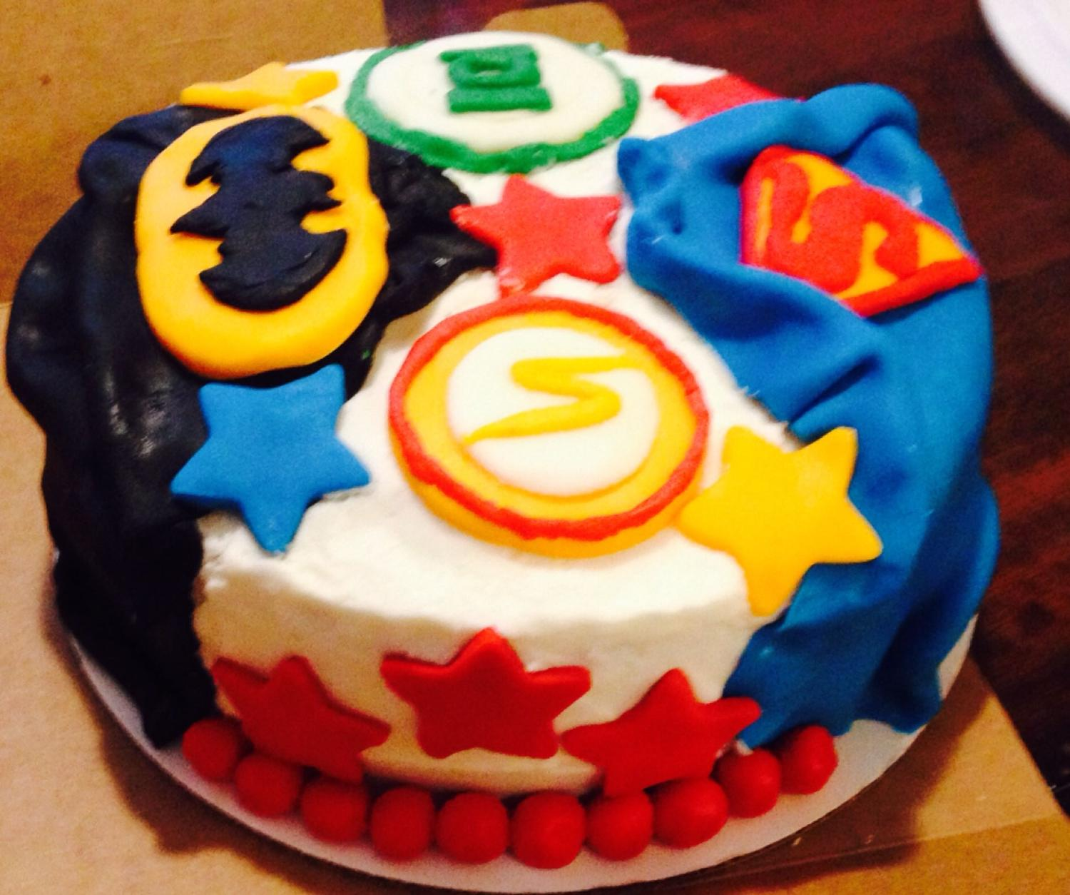 best justice league birthday cake with buttercream and buttercream fondant all cakes made to. Black Bedroom Furniture Sets. Home Design Ideas