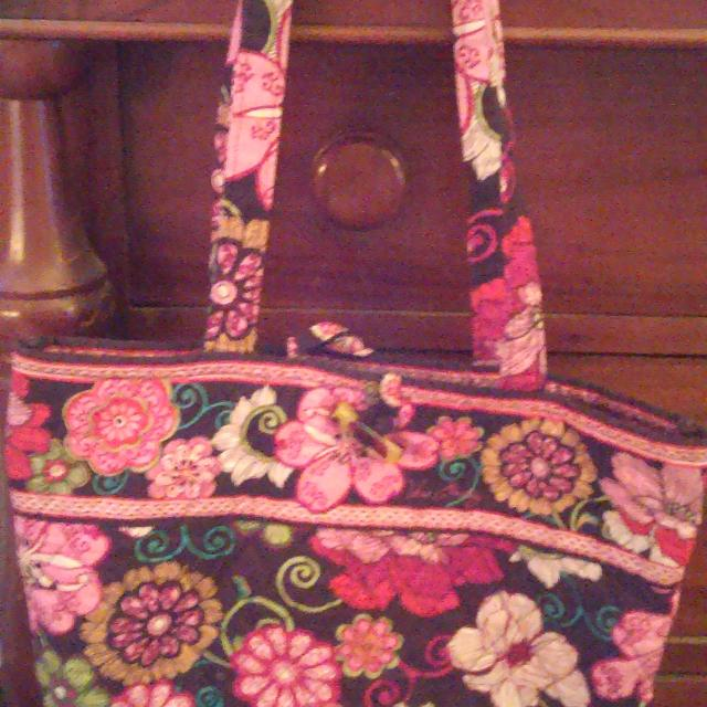 Find more vera bradley large tote own with white pink flowers vera bradley large tote own with white pink flowers3 inside pockets mightylinksfo