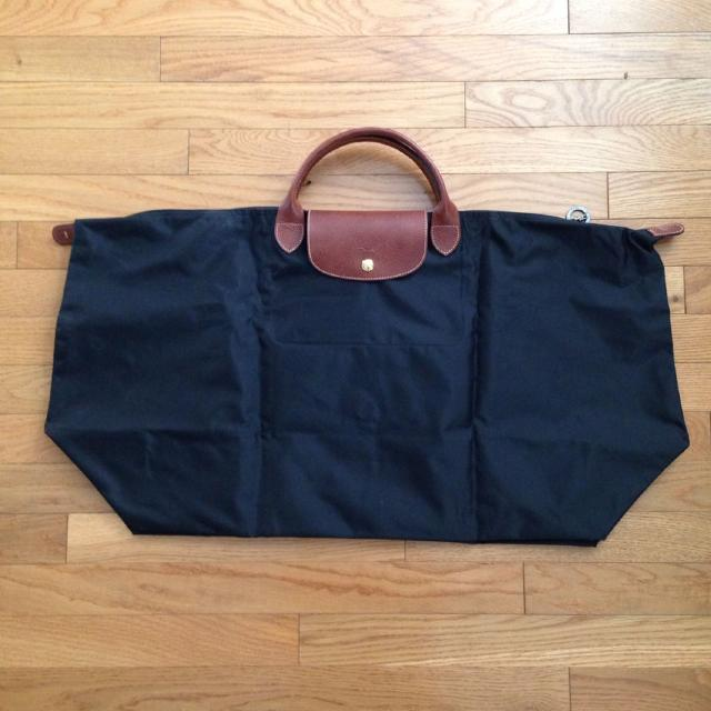 67a87bdd72ca Find more Euc Authentic Longchamp Xl Le Pliage Bag for sale at up to ...