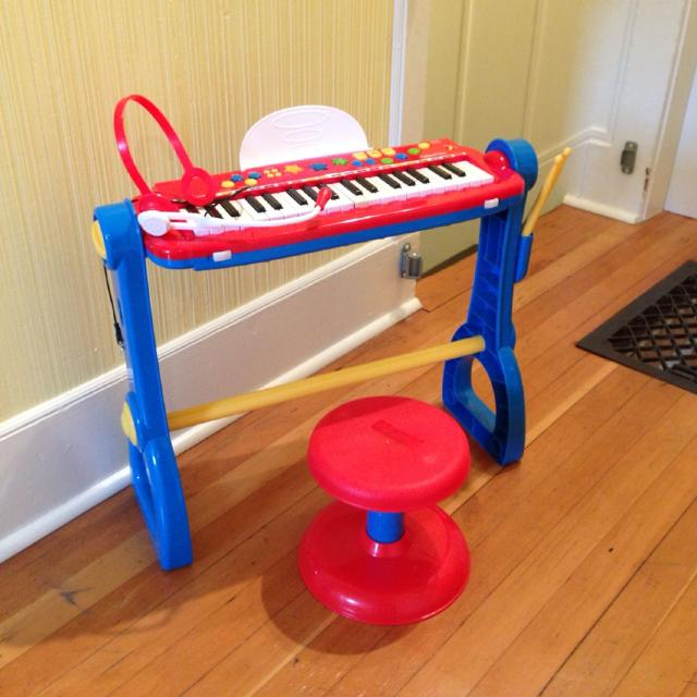 Fisher Price 'sing along' keyboard and drum play set