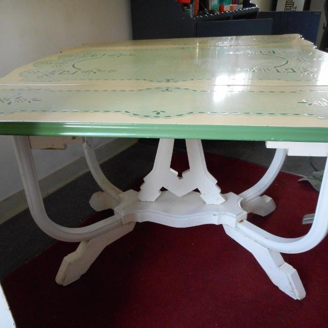 Vintage porcelain enamel top kitchen table with leaves and silverware  drawer!!! Good Condition!