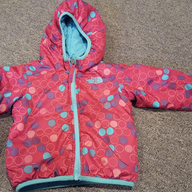 d7b51f556 Find more Euc Girls 2t Reversible North Face Jacket for sale at up ...