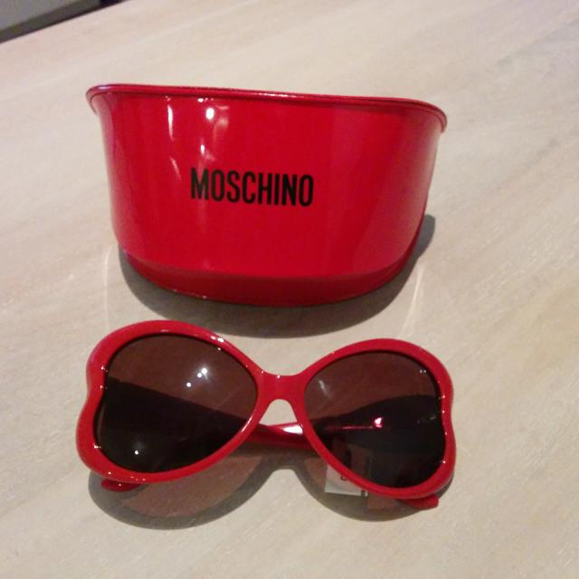 8c7a813d20c Best Brand New Moschino Red Heart Shaped Sunglasses With Case. for sale in  Yorkville