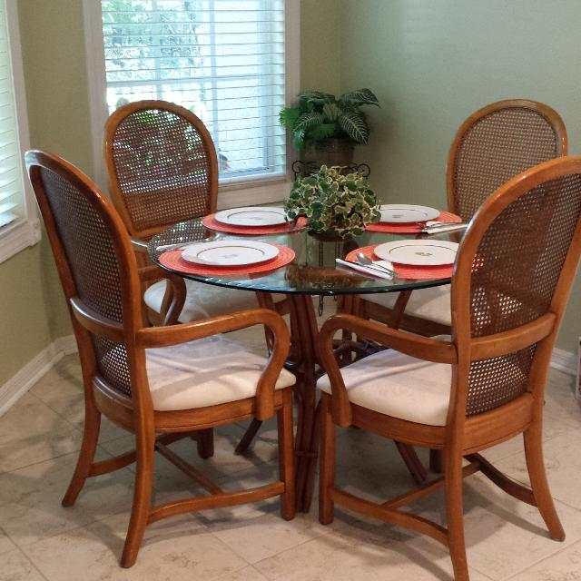 Find More 5 Piece Dining Set Consists Of A 42 Inch Round Glass