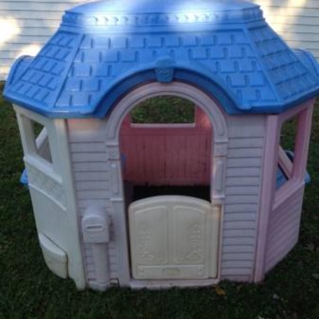 Little Tikes Cottage Playhouse