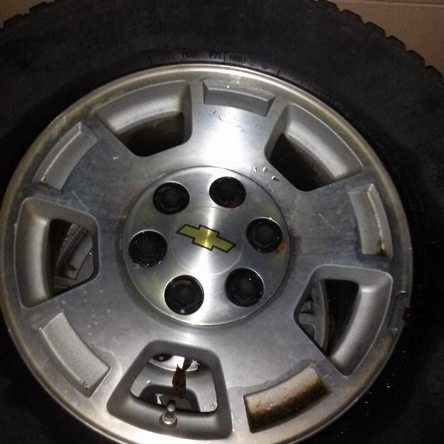 Off Road Tires For Sale >> Price Drop 4 Chevy Tahoe Tires And Rims 3 Good Used Tires Size Lt265 70r17 Bridgestone Duravis M700 On Off Road Tires