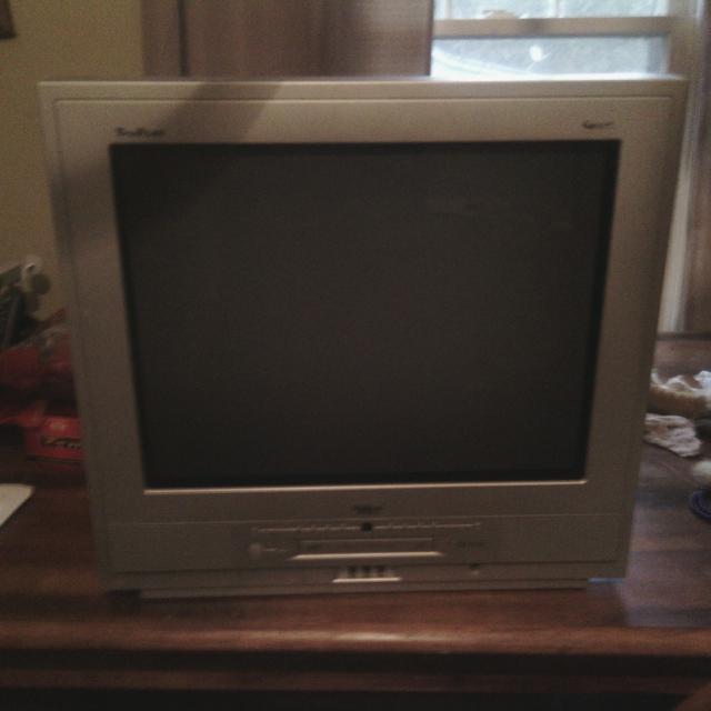 Best 19 Inch Tv Rca Tru Flat With Built In Dvd Player Works Great