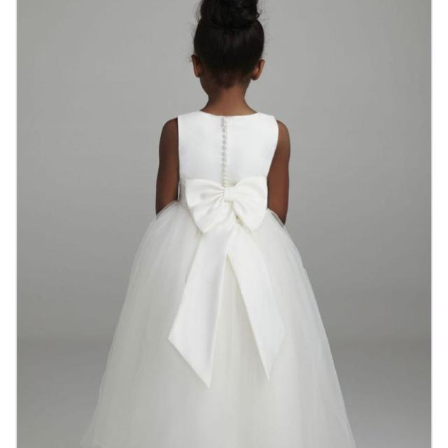 d24229ba478 David s Bridal S1038 white flower girl dress with white sash. EUC. Size 4  from