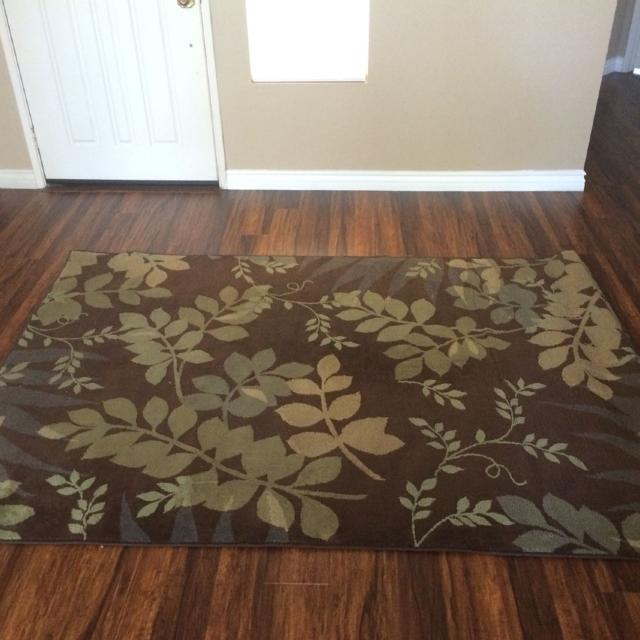 5 X7 Decorative Floor Rug Colors Are Brown Green And Beige In