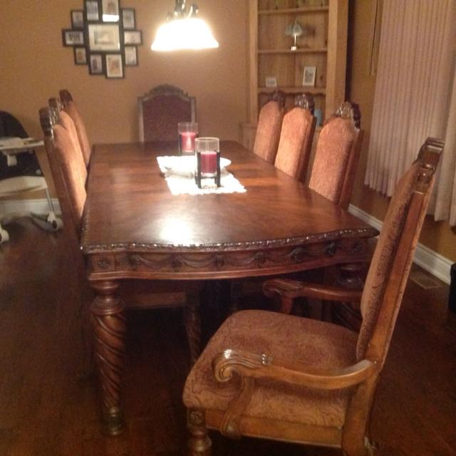 Dining Room Set North S Ashley Furniture 1000 Priced To Only 6 Years Old Excellent Condition
