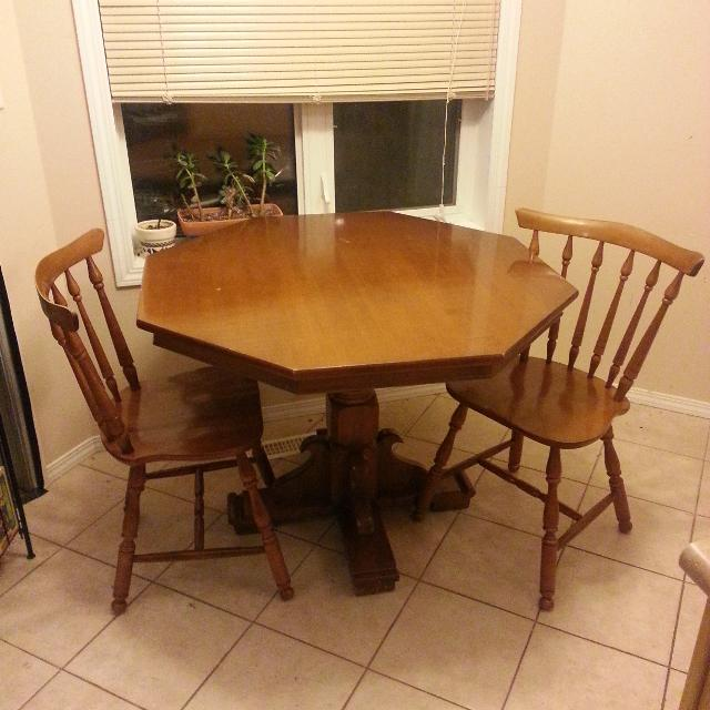 Vilas Canada Solid Maple Table Chairs In Very Good Condition