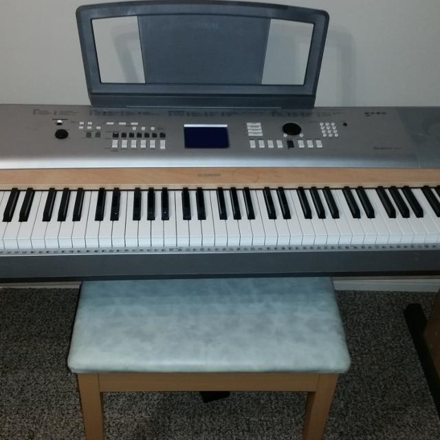 Yamaha DGX-630 88-Key Portable Keyboard  EUC  Parkridge pickup or delivered  for small fee  No Holds  Cross posted  $800 OBO