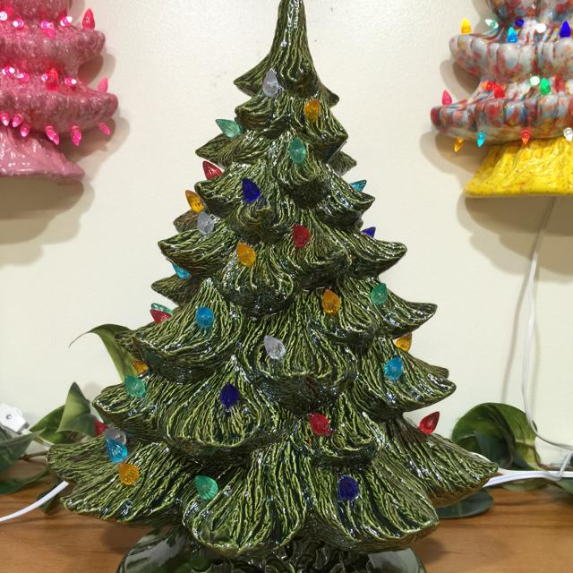 ceramic christmas tree that lights up