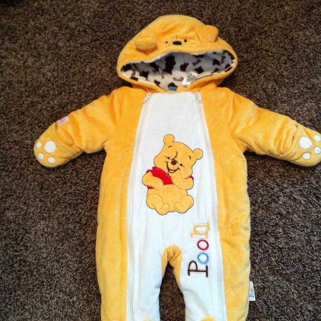 67f497705 Find more Winnie The Pooh Snow Suit-like New! Only Worn A Couple ...