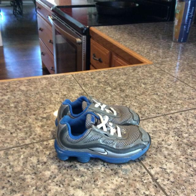 eb907347100186 Find more Nice Nikes Shoxs Shoes Baby Boy Size 9  10 Clean for sale ...