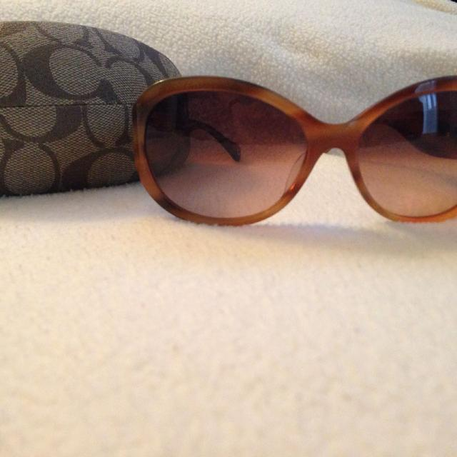 adc3c46cbb27 Find more Oversized Coach Sunglasses for sale at up to 90% off