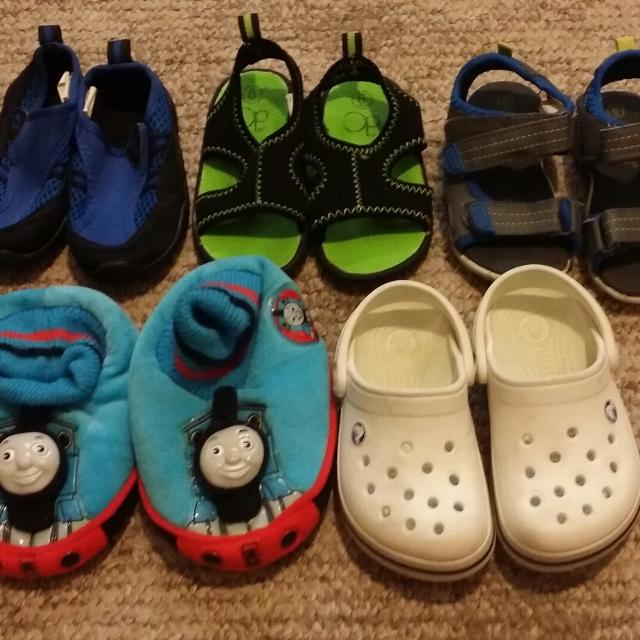 Toddler Boy Shoe Lot Size 6 7 One Pair Of Crocs Thomas