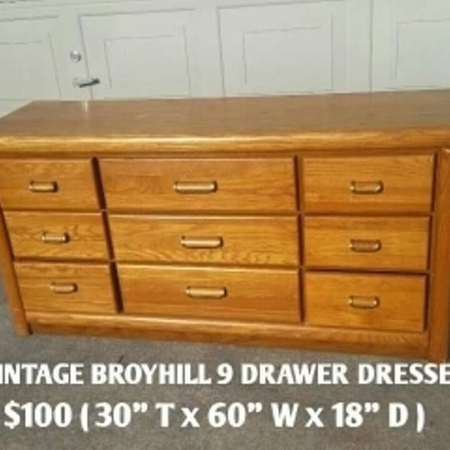 Vintage Broyhill dresser