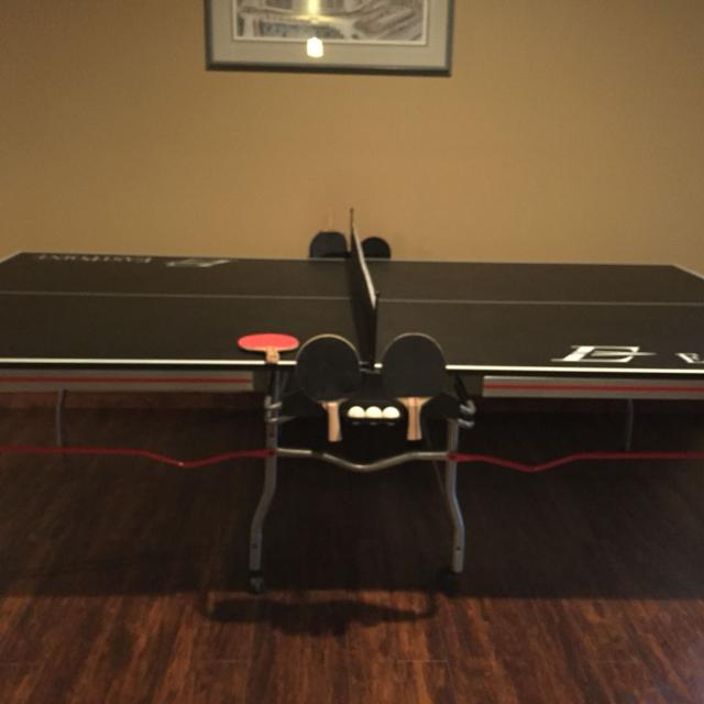 East Point 3500 Ping Pong Table Retails 399 Sell For 180 With 8 Paddles And Balls In New Condition Great For Xmas Coming Up