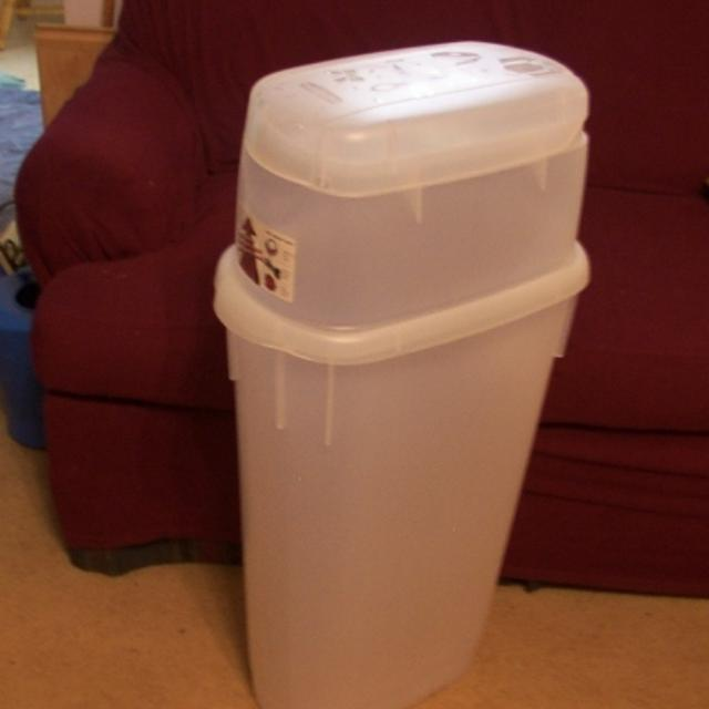 Rubbermaid Wrap N Craft Storage Container For Gift Paper Rolls More