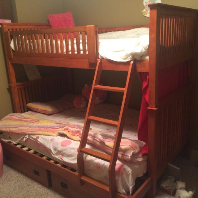 Find more beautiful bunk beds great shape very sturdy for Bunk bed with double on bottom