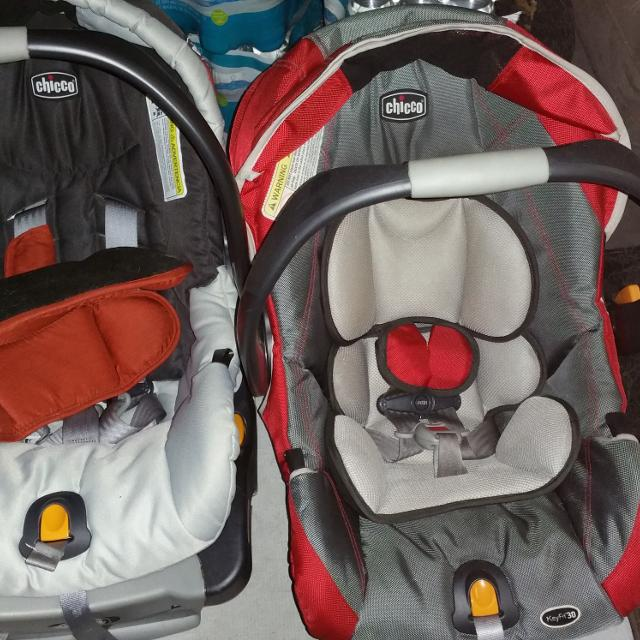Left Side Chicco Car Seat And Base Only 6 Months Old