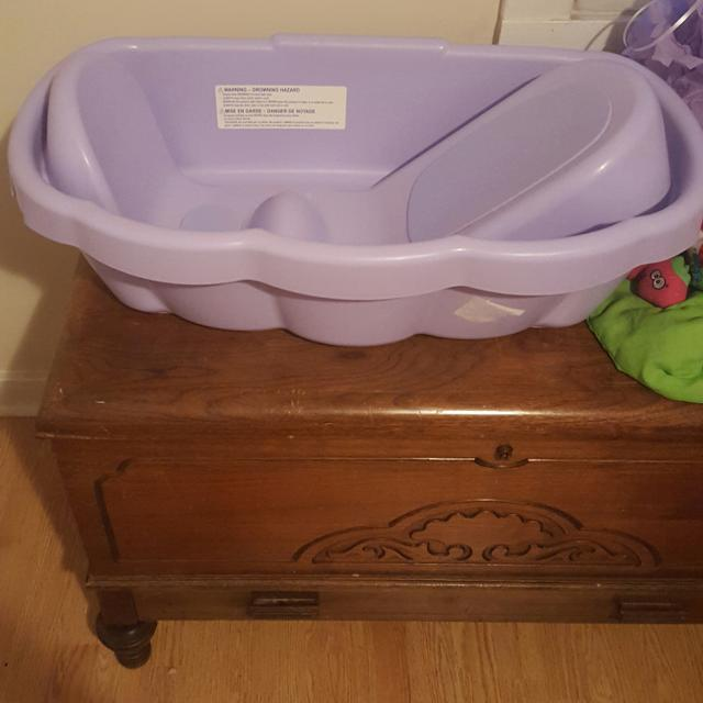 Find more Free Little Mermaid Baby Bath Tub Donating This Monday Of ...
