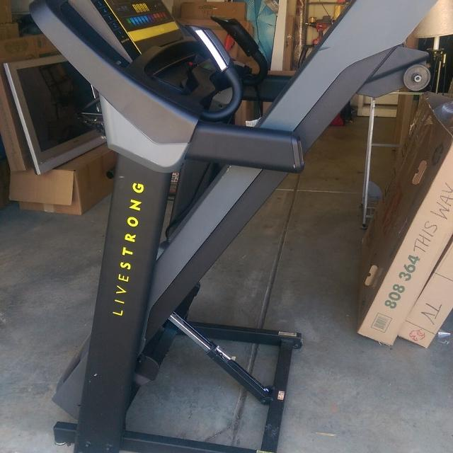 Livestrong 10 0t Treadmill For Sale
