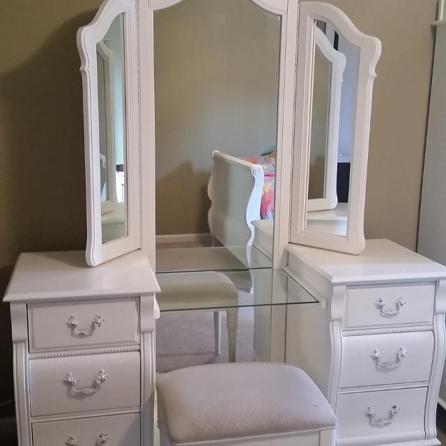 Best Stanley Caroline S Bedroom Set For In Philadelphia