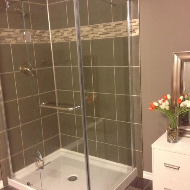 Best Jade Bathroom Fiberglass And Acrylic Base And 2 Glass Panels ...