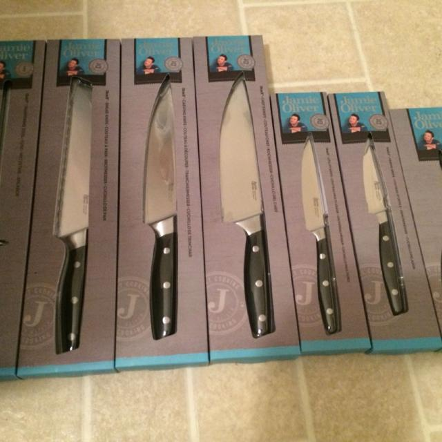 find more jamie oliver knives for sale at up to 90 off victoria bc. Black Bedroom Furniture Sets. Home Design Ideas