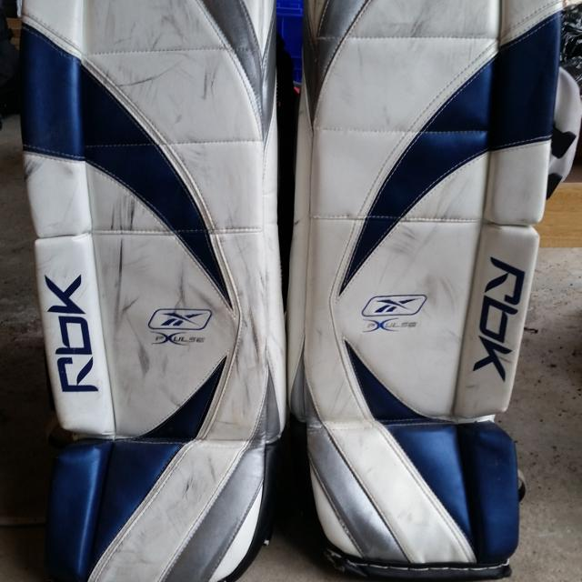 Men's Reebok goalie pads, size 35+1  Asking $200, original price $1200