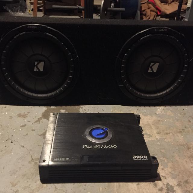 2 shallow mount 12 inch kickers with planet audio 3,000 watt amp  Speakers  fit an f-250, behind the seat facing forward  Pick up in LJ  $225