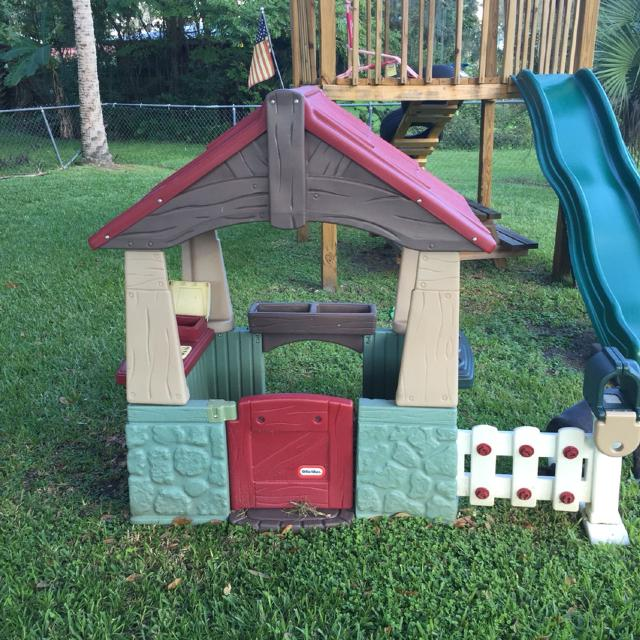 little tikes home and garden playhouse we have both fence posts just one is - Little Tikes Home And Garden Playhouse