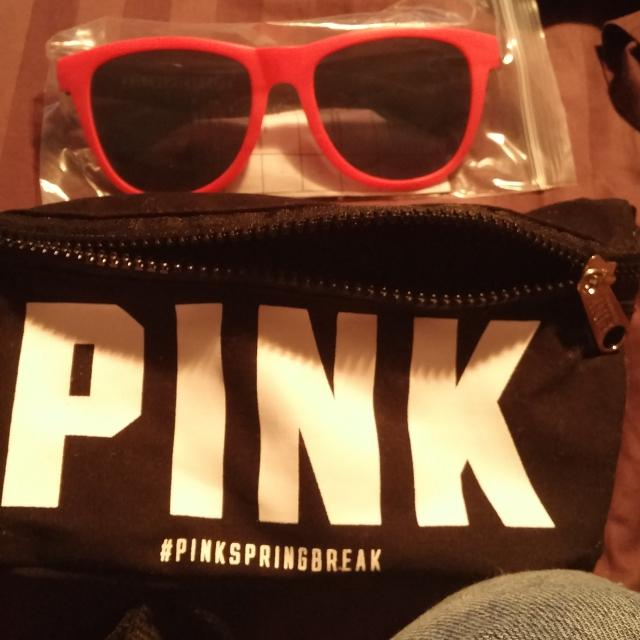 ac2db91353 Find more Victoria s Secret Pink Fanny Pack And Pink Sunglasses for ...