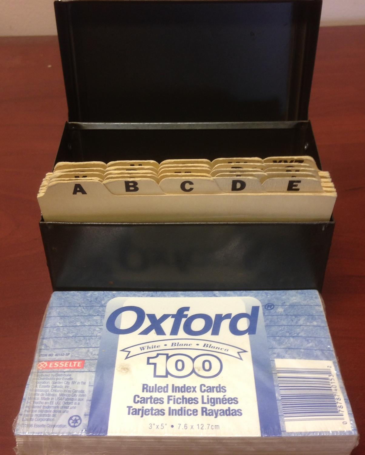 VINTAGE METAL INDEX CARD FILE BOX with Dividers & 100 Index Cards
