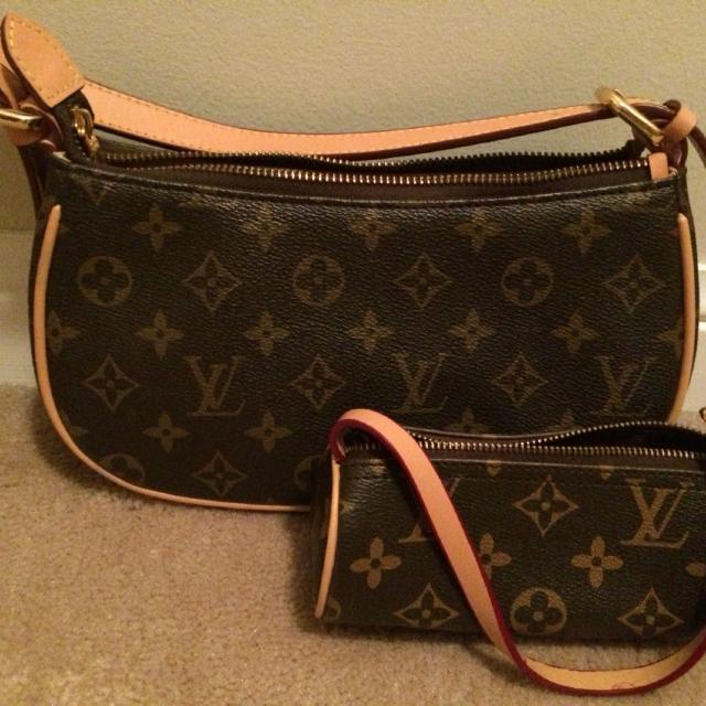 Unauthentic Louis Vuitton Small Handbag With Matching Tiny Mother Daughter Bags