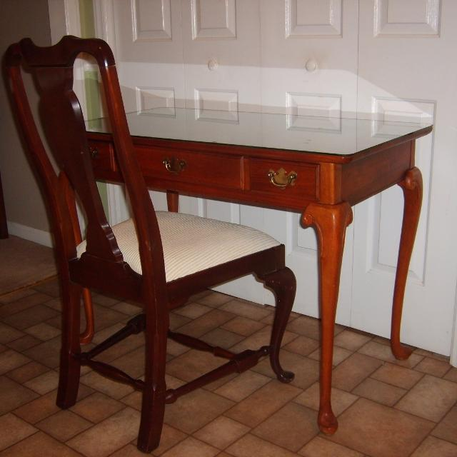 Beautiful Cherry Queen Anne Wood Desk with Glass Cover if need & Antique  Cloth Bottom Antique - Find More Beautiful Cherry Queen Anne Wood Desk With Glass Cover If