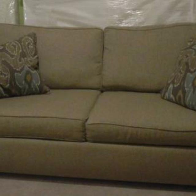 Havertys Sandy Lane Couch Sofa