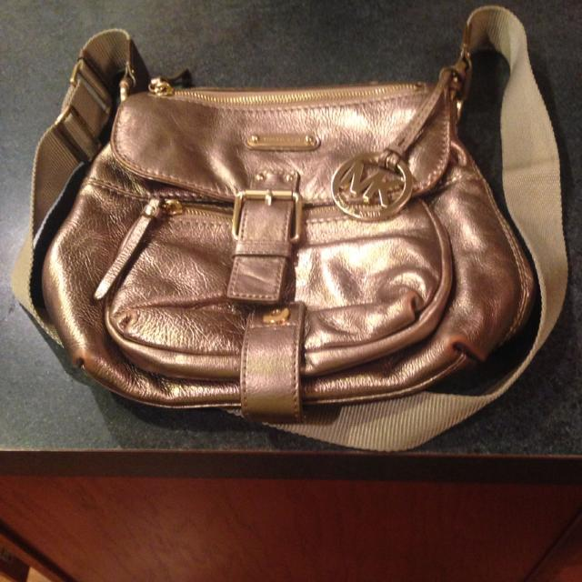 023869a7addc Find more Authentic Michael Kors Leather Cross Body Purse. Pewter In ...