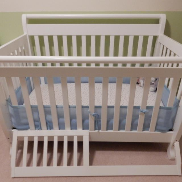 Find More Reduced Euc Davinci Emily 4 In 1 Convertible Crib With