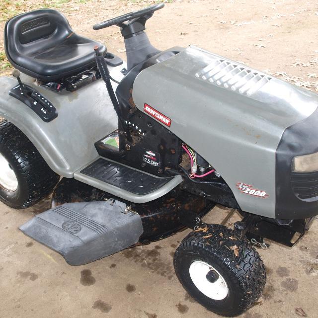 2005 Craftsman Lt2000 Riding Mower