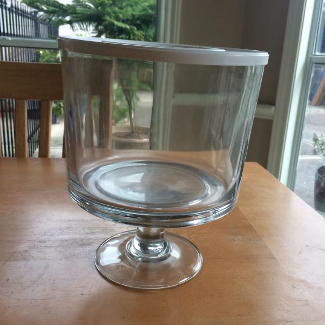 Find more Pampered Chef Trifle Bowl With Plastic Lid And Removable ...