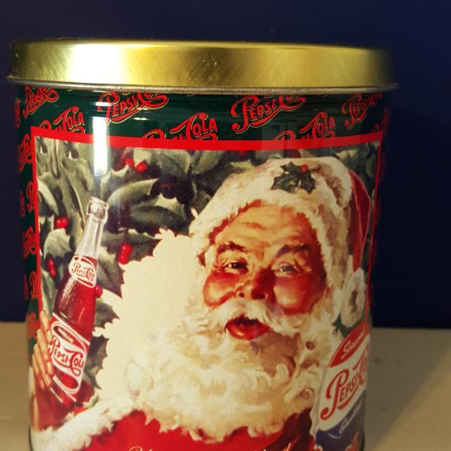 vintage 1990s pepsi cola retro christmas advertisement ads santa popcorn can tin metal display