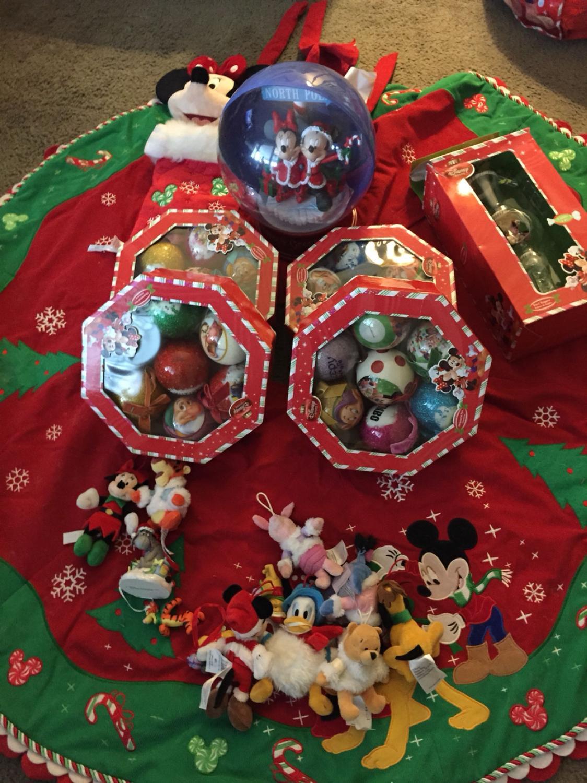 Disney Christmas Tree.Disney Christmas Tree Decoration
