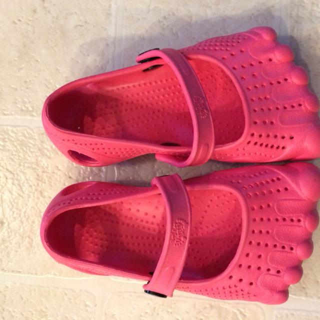 b37da274f4b74 Best Fun Croc-style Shoes Size 9  final Reduction!! for sale in Falcon