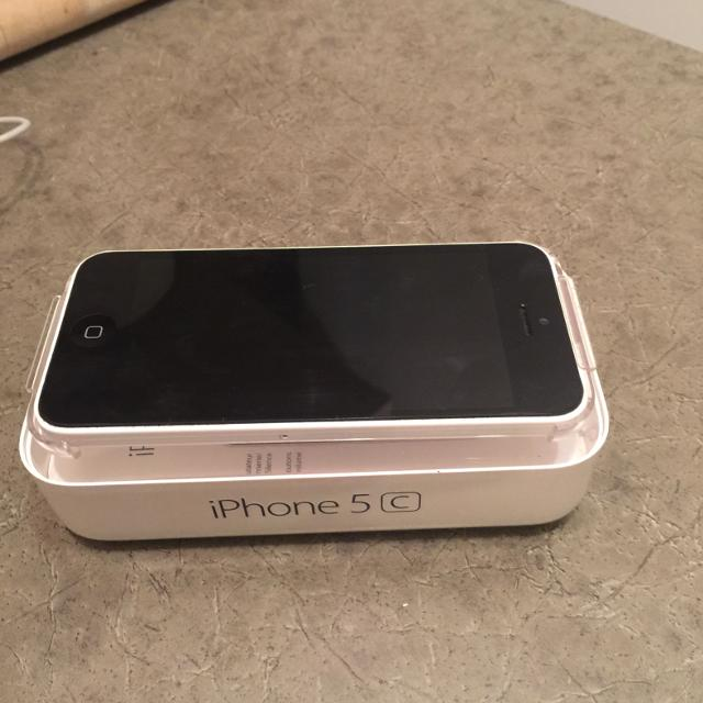 2bb2578dd8b Find more Iphone 5c 16 Gb No Sim Card Was Telus . Less Than 2 Years ...