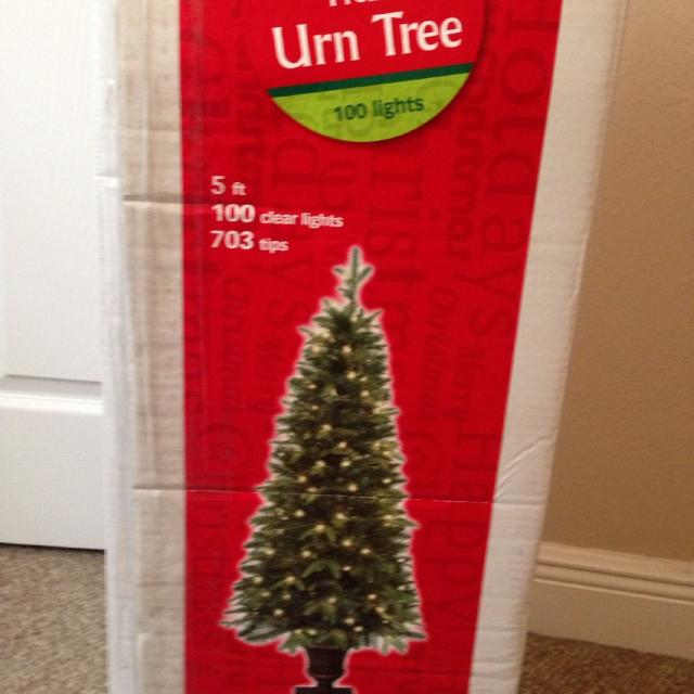 Big Lots Christmas.5ft Pre Lit Christmas Tree Brand New From Big Lots